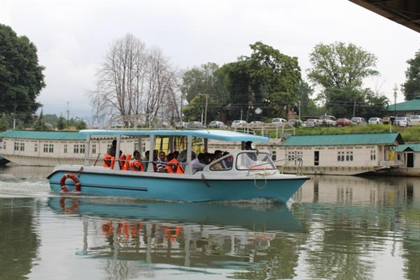 Now enjoy highly subsidized Jhelum cruise at Rs 25 only