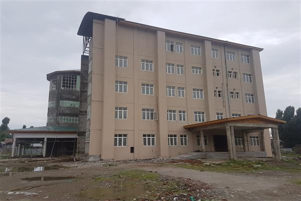 Nine years on, District Hospital Bandipora awaits completion