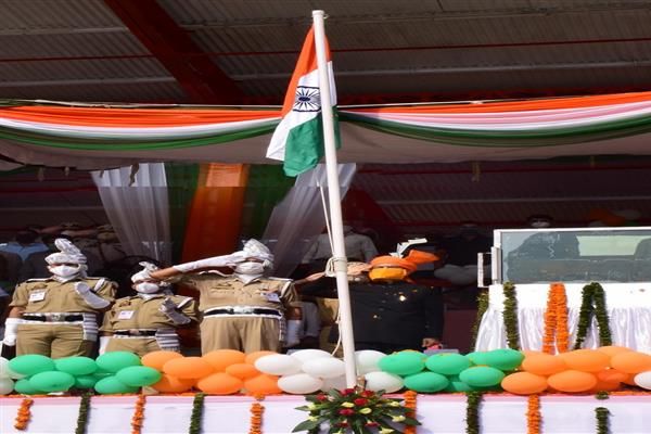 Advisor Sharma unfurls tricolor at divisional level function