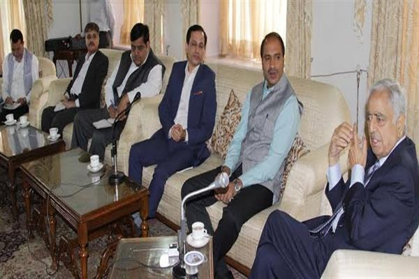 Pick-out best technology in solid waste management within a month: CM to H&UDD