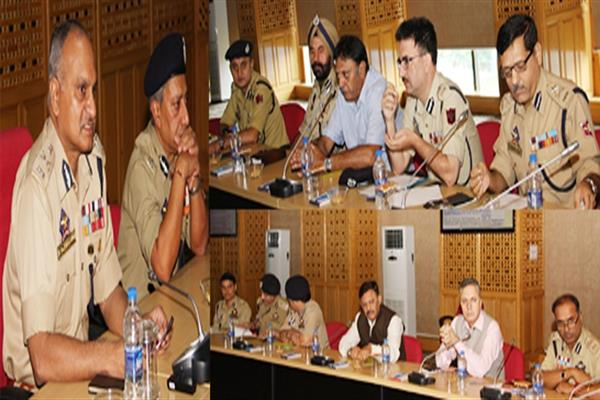 DGP reviews functioning of Police Public Schools, stresses on innovative changes