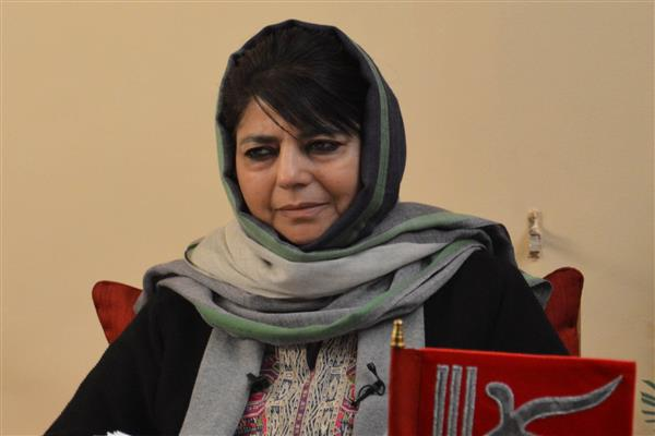 Shopian shootout: Mehbooba rings up Defence Minister, expresses anguish over killings