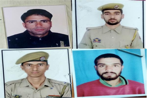 Four cops killed in militant attack in Shopian