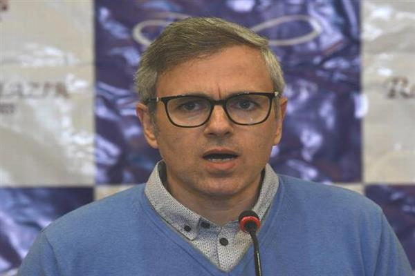 Govt should review highway closure diktat: Omar