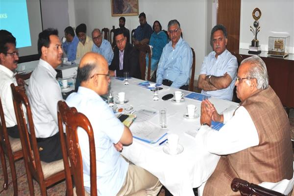 Governor reviews Power Supply position, preparedness for summer in Jammu Division