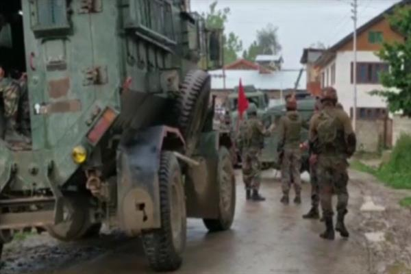 Four militants killed in twin encounters in South, north Kashmir