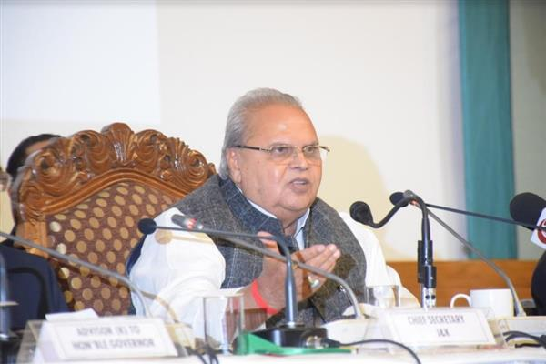 Media in Delhi demonizing Kashmir situation to damage tourism in Kashmir: Guv