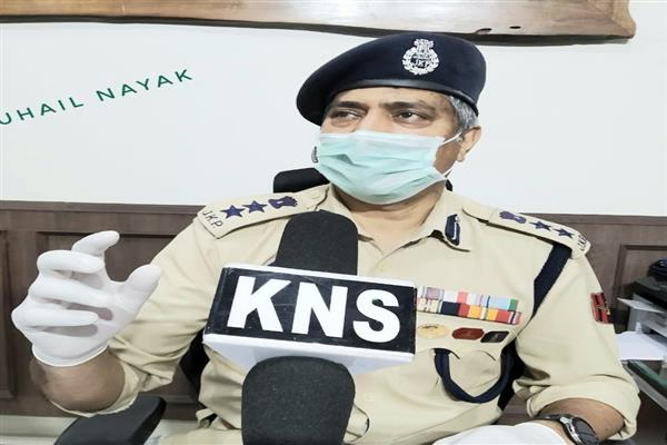 Be responsible citizens, stay away from organizing public meets: SSP Srinagar
