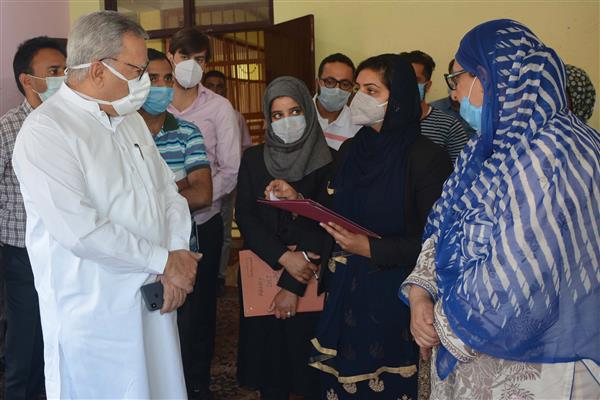 Advisor Khan visits Juvenile Observation Home, Harwan