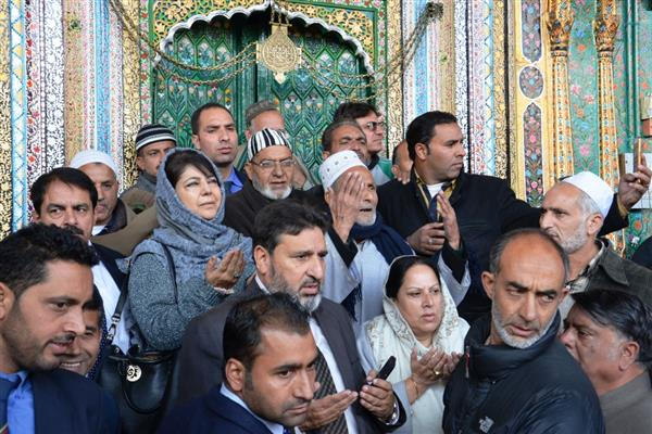 Mehbooba rushes to Srinagar, visits Khanqah shrine complex to assess damage