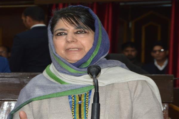 Mehbooba pitches for Indo-Pak amity, hopes Pak leadership responds positively to PM's remarks