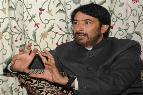 Govt's betrayal pushes youth to take arms: G A Mir