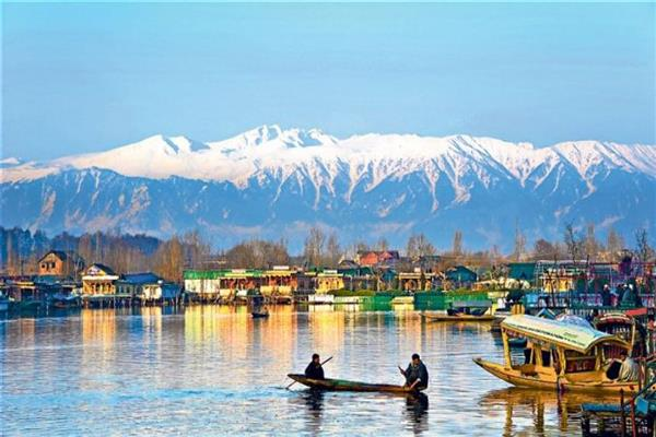 Incompatible interventions from top to bottom proves disastrous for Kashmir Tourism