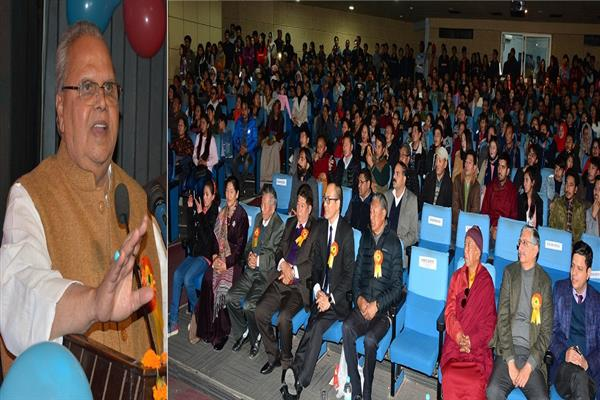 Governor attends Losar celebrations