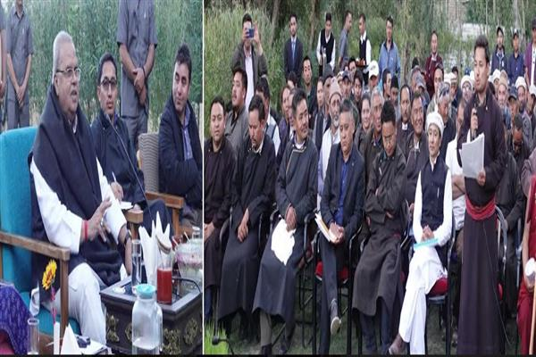 Governor visits Nubra, holds public meeting