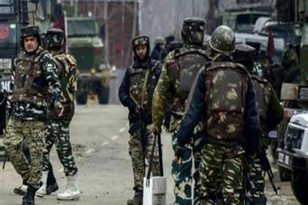 CRPF men in Kashmir to have modified bullet proof vests to counter Steel bullet threat