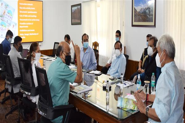 Lt Governor Sinha calls for filling up of vacancies of Doctors for improving Primary & Secondary health care system in J&K