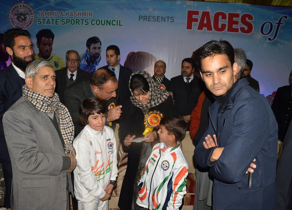 Chief Minister Mehbooba Mufti felicitates  two  Talent  of Kashmir in sports  Tajamul Islam and Hashim Manzoor  on Tuesday. KNS Photo: Umer Asif