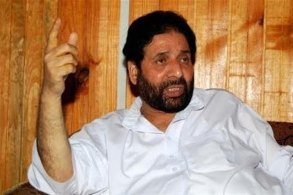 No one should try to become so-called champions of rights of Kashmiris: Hakim Yasin