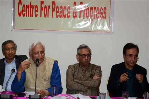 Aiyar-led group to meet Geelani tomorrow