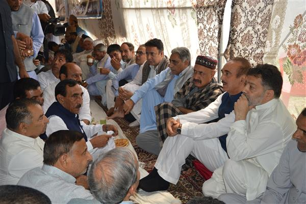 Slain Shujaat's Rasm-e-Charum observed at his native village