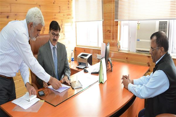 K Vijay Kumar assumes office as Advisor to Governor