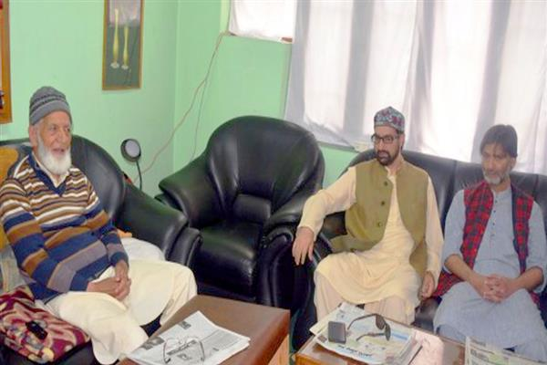 JRL threatens mass uprising over construction of army basements at Gulmarg