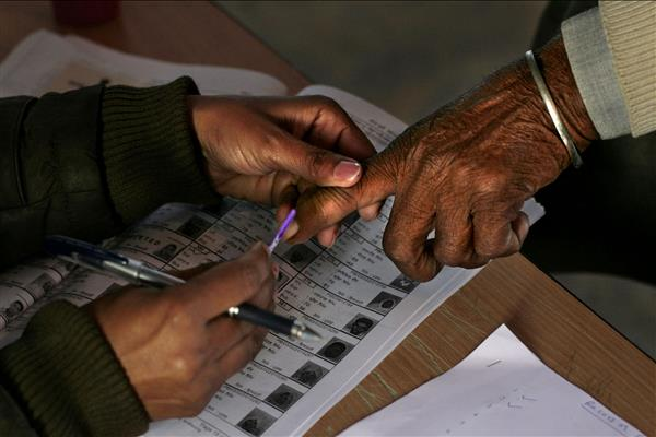 Govt's bonanza to poll duty employees, police inclusion doubtful!