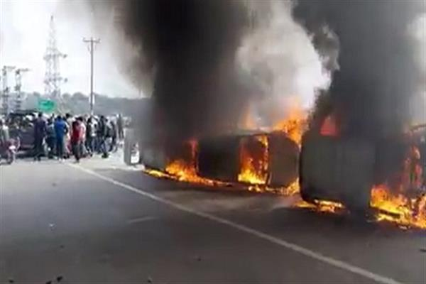 Amid shutdown, clashes erupt in Jammu, several vehicles torched