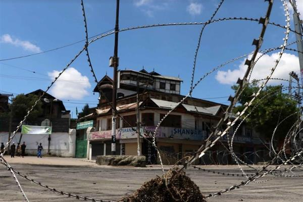 Kashmir shuts on Geelani's call, restrictions imposed in several areas