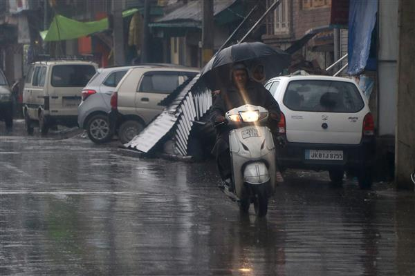 MeT predicts intermittent light to moderate rains for next few days