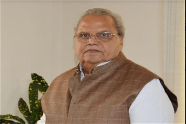 As tourists rue poor road infrastructure, J&K Governor directs for setting up recreational facilities ...