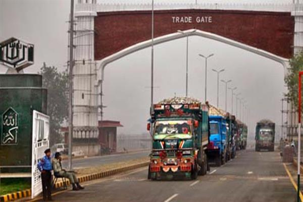 Cross LoC trade resumes, traders welcome the move