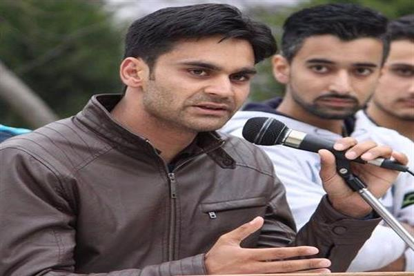 Parra visits Pulwama, interacts with youth