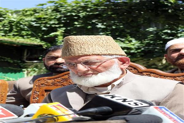 Geelani expresses deep grief over martyrdom of Waseem Mushtaq