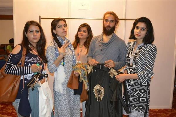 Kashmiri Outfits Showcased In International Fashion Show