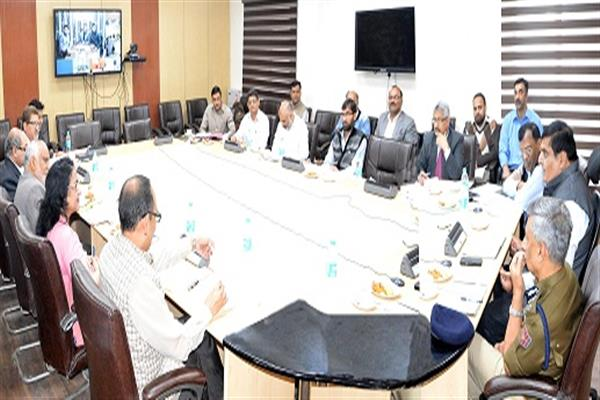CS reviews implementation of PM's Development Package for Migrants