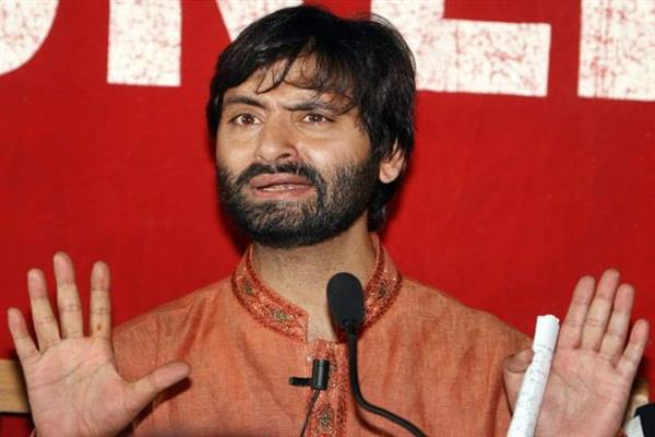 Pro-India politicians responsible for all miseries Kashmiris are facing: Malik