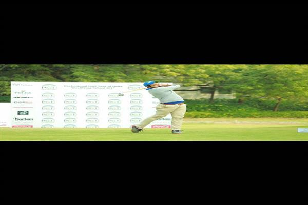 Parmar play  professional golf tournament of India