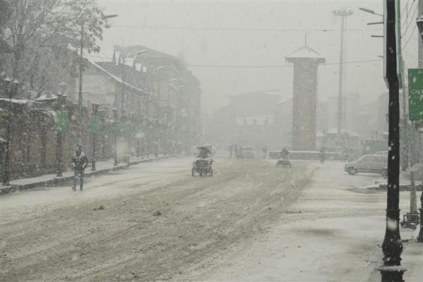 Budgam areas receive season's first snowfall
