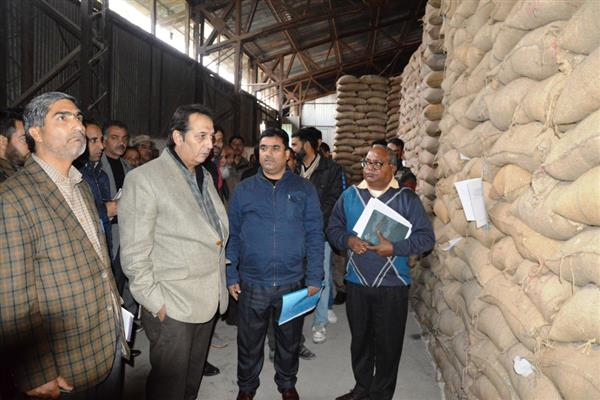 Div Com reviews winter stock position