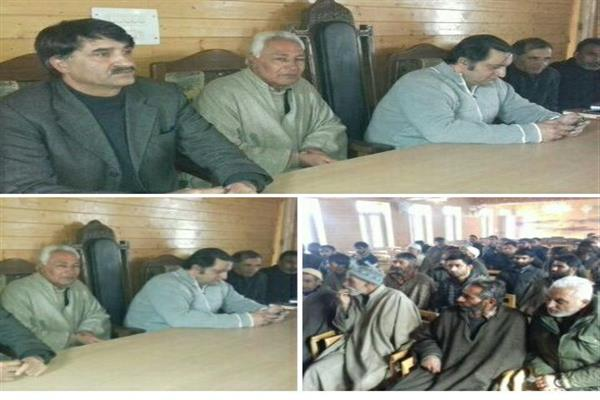 Sadiq Mir along with his workers joins PC in presence of Sajad Lone