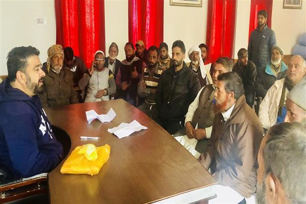 Jan lashes out at Govt over poor healthcare services in Poonch