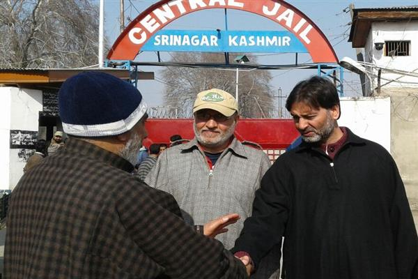 Malik released from central jail, visits Shopian injured at SKIMS
