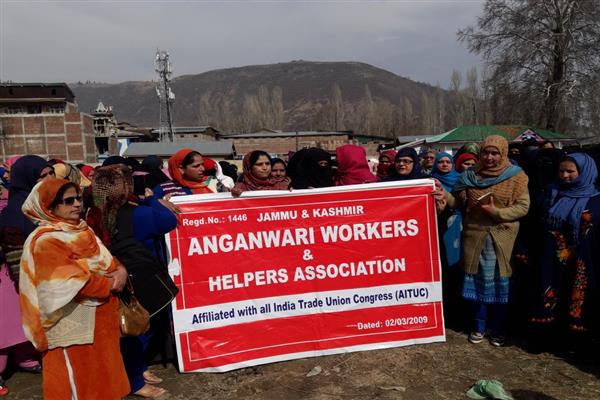 Anganwadi workers protest in Srinagar, Baramulla