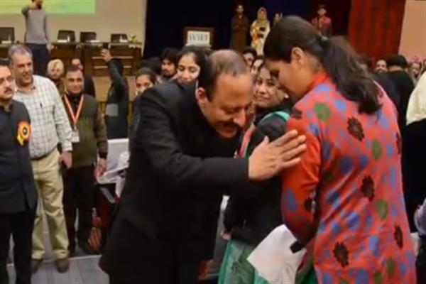 Student Meet Day-II: Abdul Haq continues interaction with students in Punjab