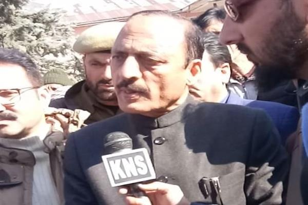 Abdul Haq concerned over cross-LoC shelling