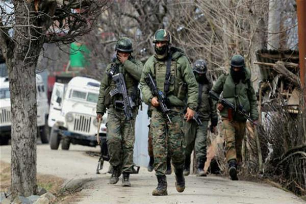 J&K: 2 militants killed, CRPF jawan injured in encounter in Khonmoh