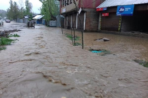 Incessant rains trigger flood threat in Langate villages