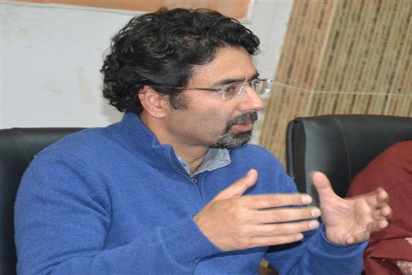 Tassaduq Mufti for upgrading Kashmir Golf Course